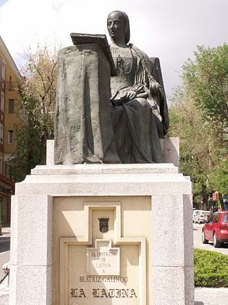 Beatriz Galindo - Statue to Beatriz Galindo in Madrid