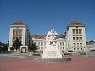 Monumentul Unirii din Iaşi4