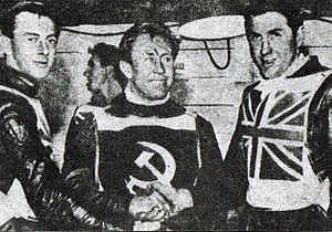 Ronnie Moore (speedway rider) - Ronnie Moore (left) with Igor Plechanov and Barry Briggs