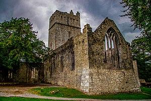 Muckross Abbey - Image: More killarney