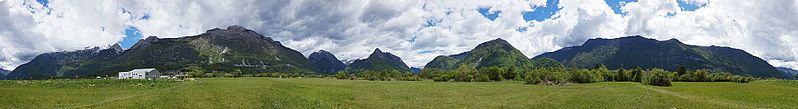 File:Mountain panorama in Bovec.jpg