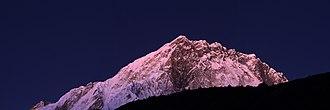 Lobuche, Nepal - Image: Mountain view near Lobuche