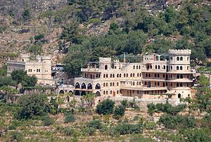 Moussa Castle - Image: Moussa castle from across the valley