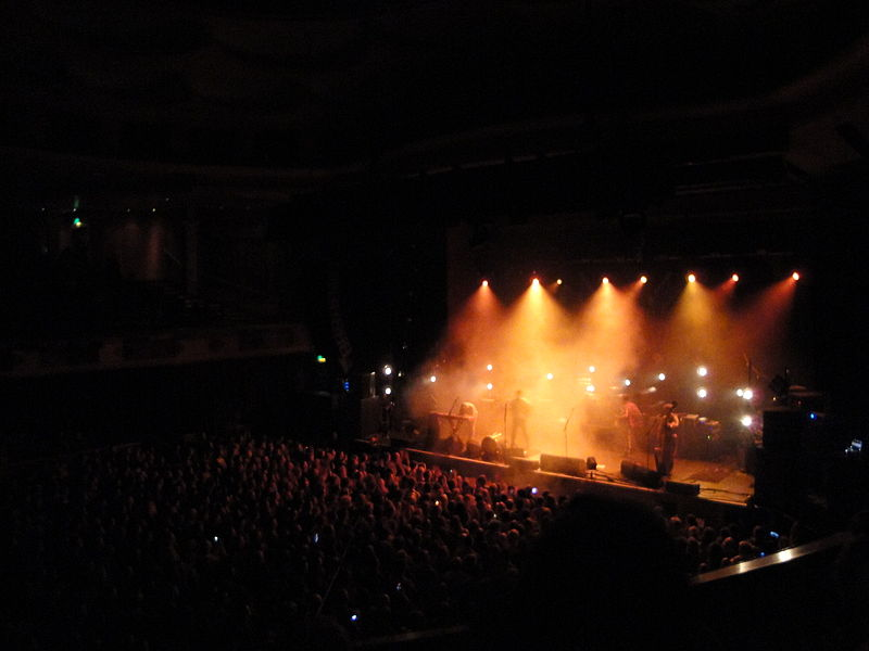 File:Mumford & Sons performing at Brighton Dome in October 2010 10.JPG
