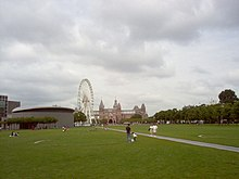 Museum Square in 2005, with the Van Gogh Museum, a temporary Ferris wheel, and the Rijksmuseum