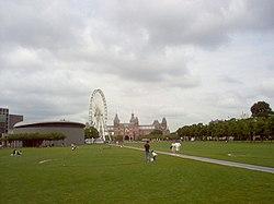 Museumplein amsterdam.jpg