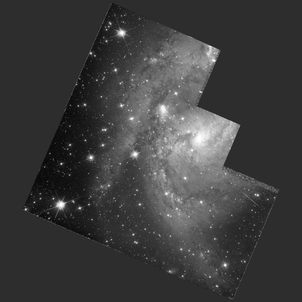 NGC 6221 hst 05479 606