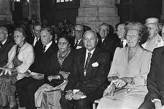 Nagendra Singh - Nagendra Singh with Queen Beatrix at the Congress of the International Association of Lawyers (UIA) in Hague, 1985.