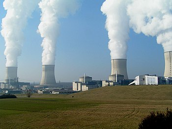 English: Nuclear power plant in Cattenom, Fran...