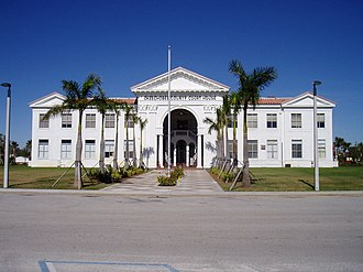 Okeechobee County Courthouse - Okeechobee County Courthouse, 2006, before renovations.