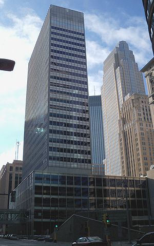 Canadian Pacific Plaza - Image: One Financial Plaza Minneapolis 1