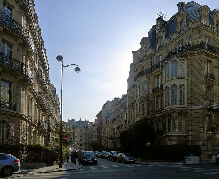 Fichier:P1080502 Paris VIII rue Rembrandt rwk.jpg
