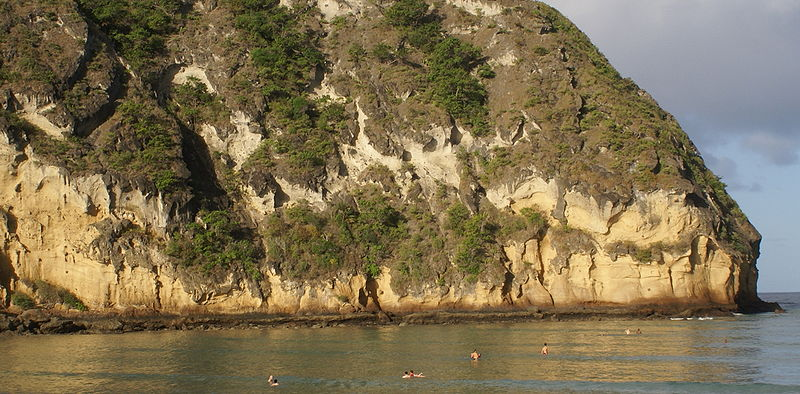 File:Palagonite cliffs at Moya beach (Mayotte).JPG
