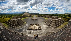 Panoramic view of Teotihuacan.jpg