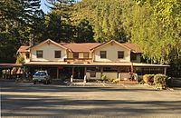 Patrick Creek Lodge 02.jpg