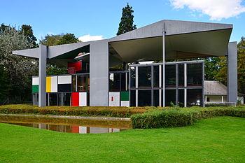 Pavillon Le Corbusier 2012-09-30 00-32-17.jpg