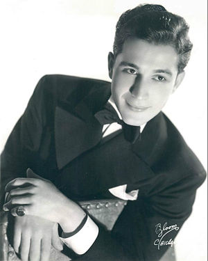 Perry Como - Como in 1939, when he was with the Ted Weems Orchestra.