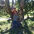 Phara Ouk pagoda kids (2) (cropped).jpg