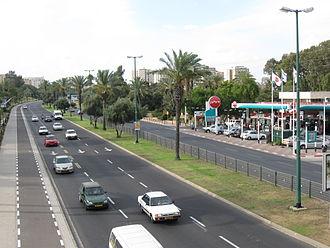 Delek - A Delek petrol station in Tel Aviv