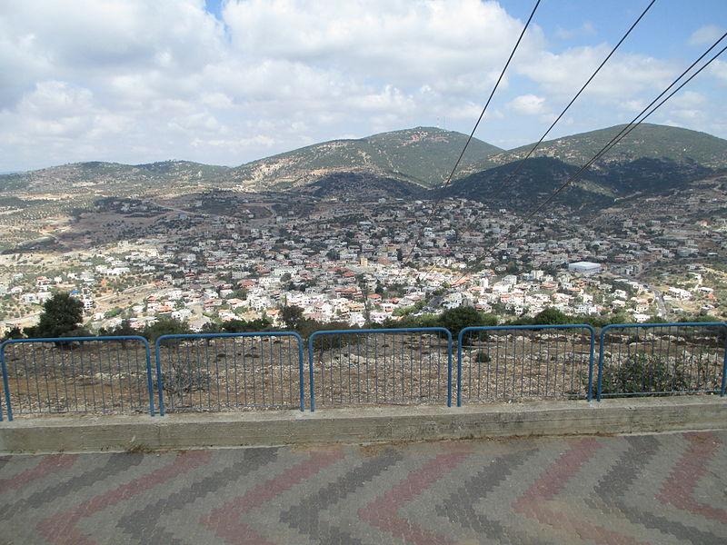 מבט על חורפיש מנבי סבלאן. ברקע-הר אדיר ומשמאל-הר ח