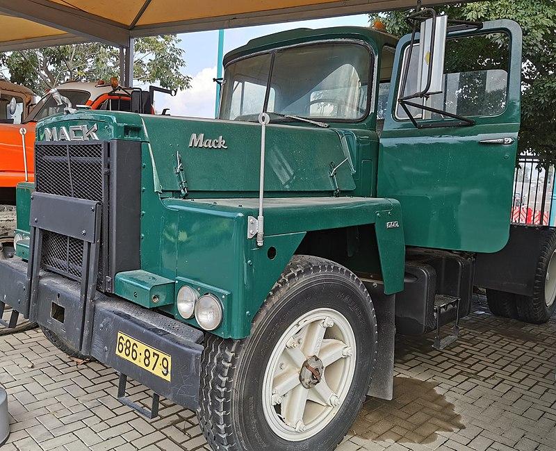 מוזיאון המשאיות והתובלה