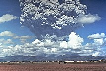 Philippines-Contemporary history-Pinatubo91eruption plume