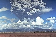 Pinatubo91eruption plume