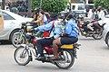 Policiers dans les rues de Douala.jpg