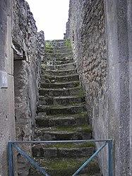 Pompeii stairs.jpg