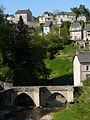 Pont de Treignac sur la Vézère 01.JPG