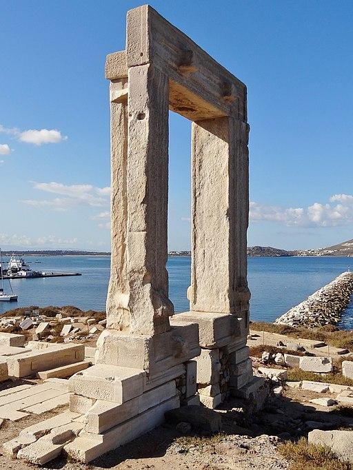 Portara Naxos 13