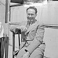 Portret van H. Bornstein - nieuwe naam Zvi Avonon. Oud consul hij speelde een b, Bestanddeelnr 255-1378.jpg