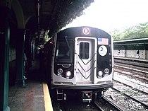 R160B N train at Fort Hamilton Parkway.jpg