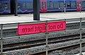 Reading railway station MMB 83 166216.jpg