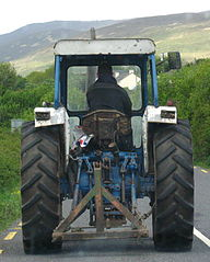 Tractor Equipment Leasing Pros and Cons