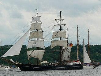 Roald Amundsen (ship) - Image: Roald Amundsen Kiel 2007 1