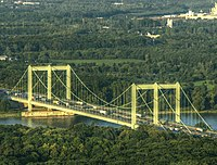 Rodenkirchner Brücke mit Verkehrsstau2.jpg