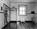 Rostrevor Hydro- bathroom (27686702917).jpg