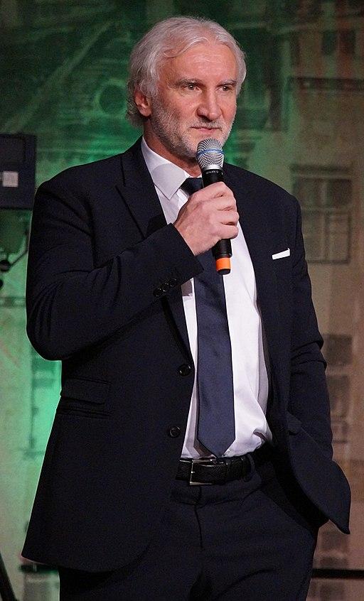 Rudi Völler Bühne (cropped)