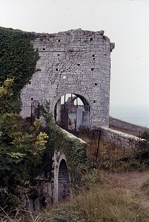 Rufus Castle - The top of the castle's bridge and entrance.