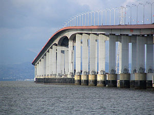 San Mateo–Hayward Bridge - The highrise section of the San Mateo-Hayward bridge (1967 span).