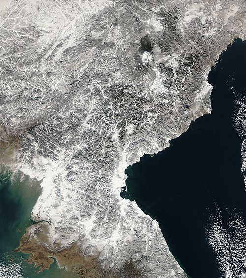 Satellite image of North Korea in December 2002.jpg