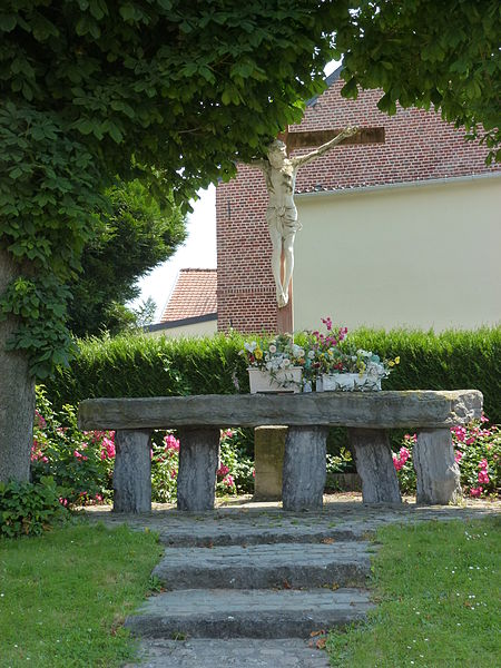Saultain (Nord, Fr) croix de chemin