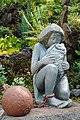 Sculpture - Esclavage - Heva pleurant son enfant.jpg