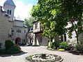 Seeburg bei Allmanshausen Innenhof.jpg