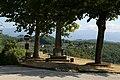 Serravalle pistoiese, veduta con monumento ai caduti 02.jpg