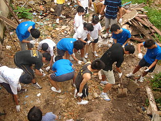 Service-learning - A Service Learning Project at Batam organised by MaxPac Travel for Catholic Junior College students. January 15, 2009. Tay Yong Seng.