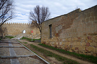 Ermita de San Pelayo y San Isidoro - Ashlars that stayed in situ after the remove of the hermitage in Ávila