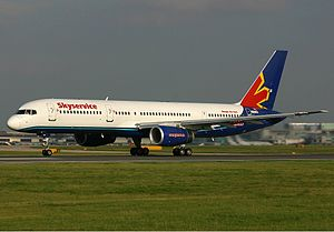 Skyservice Airlines Boeing 757 Spijkers.jpg