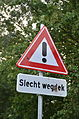 Slecht wegdek road sign Netherlands.JPG